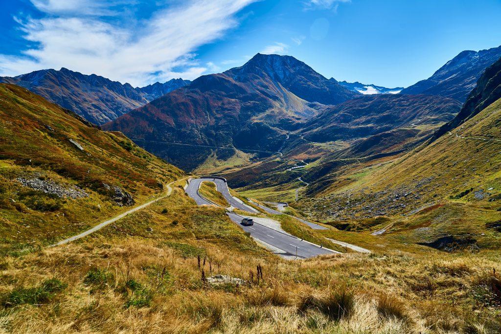 Piz Máler und Piz Cavradi mit Via Alpsu zum Oberalppass